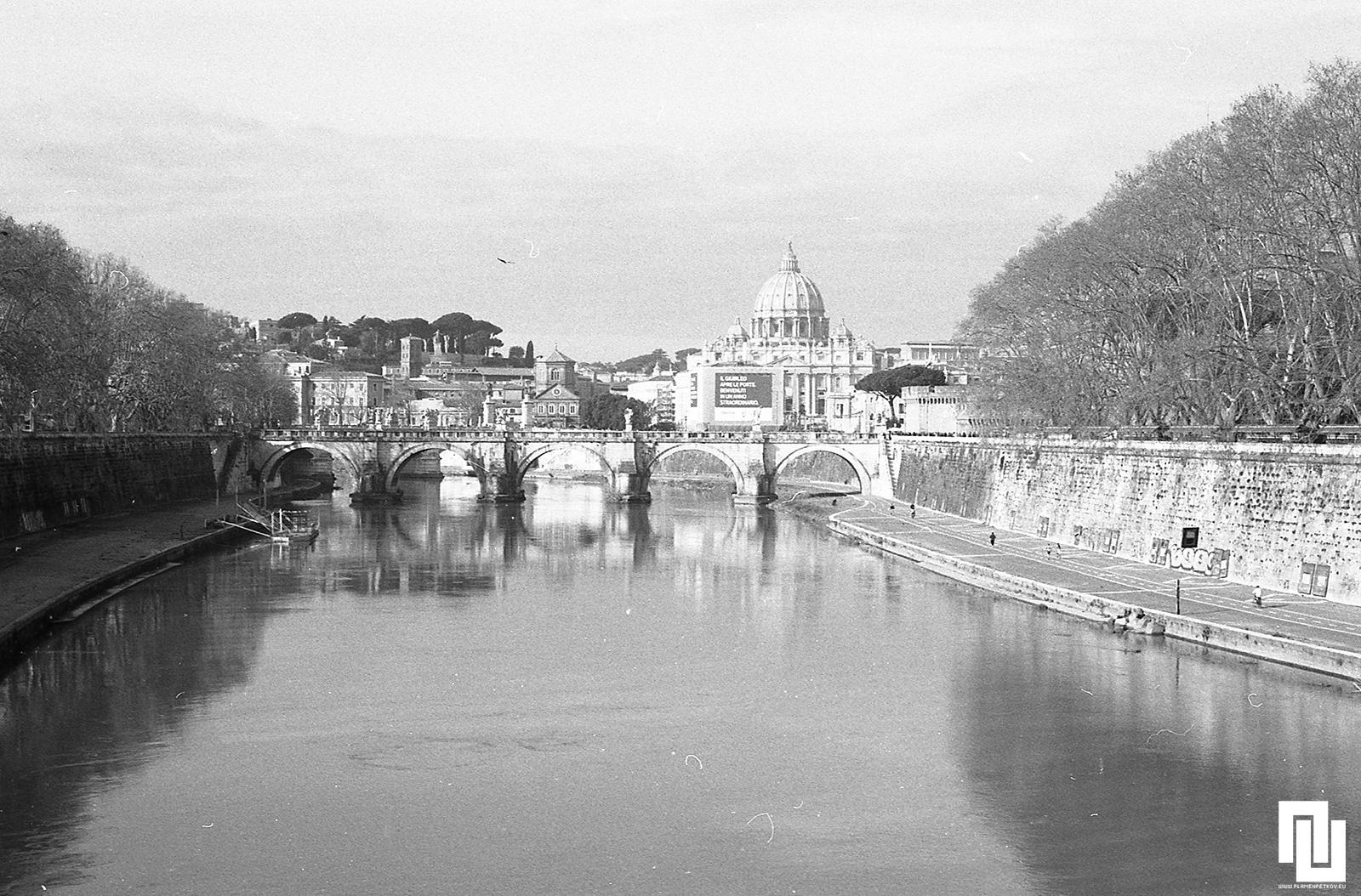 р. Тибър и Ватикана