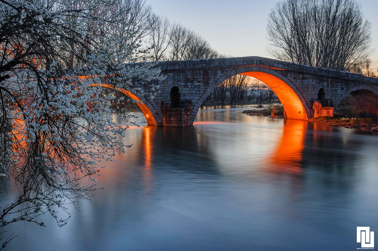 Кадин мост в с. Невестино ранна пролет