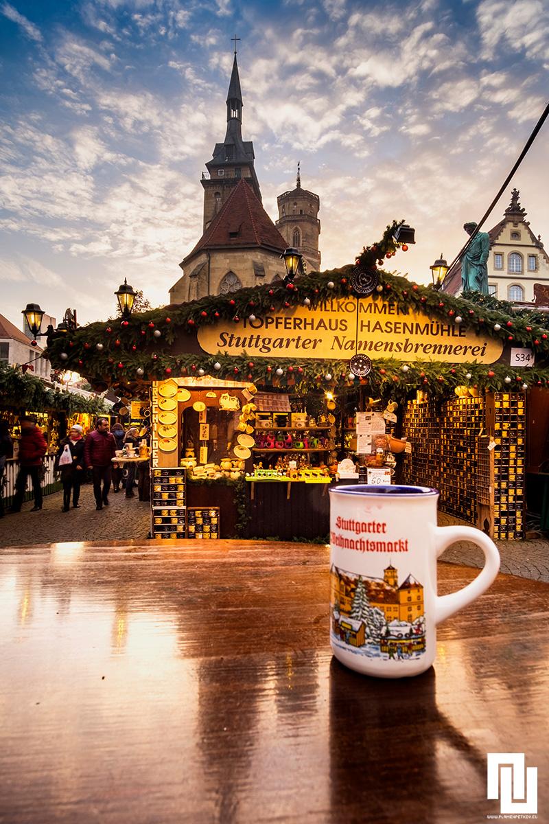 Коледен базар в Щутгарт[